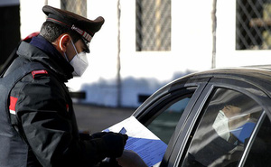 Bắt quả tang thuyền trưởng Hải quân Ý trao tài liệu mật cho quân nhân Nga