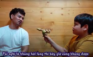 """Con trai Xuân Bắc """"đóng giả"""" phóng viên Lê Hồng Quang VTV, chất vấn bố bằng loạt câu hỏi bất ngờ"""