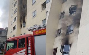 Cháy căn hộ ở chung cư 21 tầng, nhiều người dân hốt hoảng chạy ra ngoài