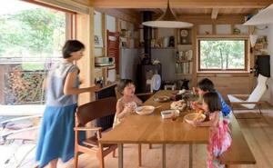 Từ thành phố chuyển về nông thôn ở nhà gỗ, gia đình Nhật Bản biến cuộc sống bình thường trở thành thiên đường!