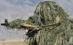 """Tại sao binh sĩ Ukraine phải """"khiếp sợ"""" súng bắn tỉa T-5000 của Nga?"""