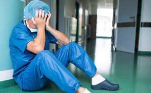 """Bác sĩ Bạch Mai nhảy việc ra bệnh viện tư: Lương 60 triệu nhưng """"có lúc cũng hối hận"""""""