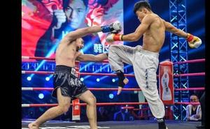 """""""Đệ nhất Thái Cực"""" đánh bại """"Vua Muay Thái"""" ở trận siêu đại chiến võ Trung Quốc – Thái Lan"""