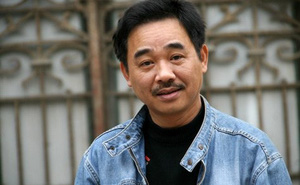"""Trả lời câu hỏi """"hiểm hóc"""" của Chí Trung, Quốc Khánh hé lộ bí mật đời tư giữ kín gần 60 năm"""
