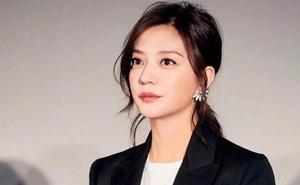 Sóng gió Cbiz: Hết Trịnh Sảng trốn thuế, đến lượt Triệu Vy dính phốt căng đến mức bị 'treo' tên trên top tìm kiếm Weibo