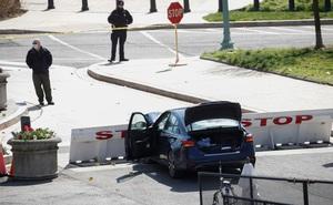 Vừa dỡ hàng rào an ninh sau vụ bạo loạn, tòa nhà Quốc hội Mỹ lại xảy ra tấn công bằng dao