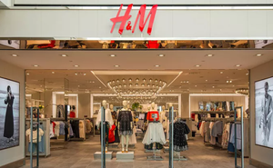 """Chịu sự phẫn nộ của người Việt, H&M - ông lớn nước ngoài bị """"tố"""" đăng bản đồ đường lưỡi bò phi pháp nói gì?"""