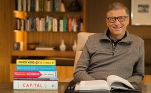 Dù đi du lịch, Bill Gates vẫn dành 3 tiếng/ngày để đọc sách: Đây là 3 tác phẩm hấp dẫn khiến ông không thể rời mắt tại thời điểm hiện tại
