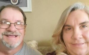 Bất ngờ cặp anh em sinh đôi sống cạnh nhau 50 năm mà không hề hay biết