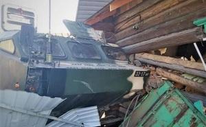 Xe chở hệ thống tên lửa đạn đạo Tochka-U của Belarus mất lái, lao vào nhà dân