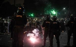 CĐV đội bóng cũ của Ronaldo làm loạn, cảnh sát phải nổ súng vào đám đông để trấn áp