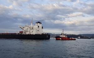 Tàu chở dầu khổng lồ mất lái, eo biển Bosphorus ngừng hoạt động