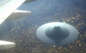 Cựu nghị sĩ Mỹ: Tập đoàn vũ khí Mỹ bí mật giấu xác UFO