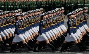 7 ngày qua ảnh: Nữ quân nhân Nga đẹp rạng ngời trong lễ duyệt binh