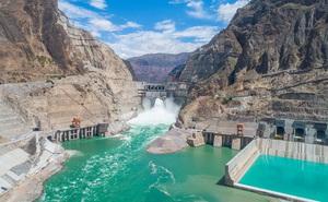 """Hiểm họa từ sông Hồng """"nước trong vắt như pha lê"""" và lời thú nhận của Trung Quốc"""