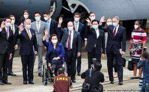 """Đài Loan """"cự tuyệt"""" Trung Quốc, Mỹ liền ứng cứu: 750.000 liều vaccine COVID-19 sắp lên đường"""