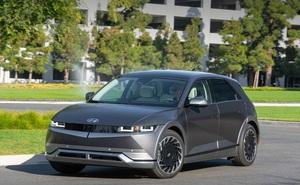 Hyundai tuyên bố vượt mặt Tesla và Ford về công nghệ sạc xe điện - không ngờ chính Hyundai mới là kẻ đi sau!