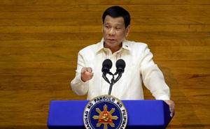 """Áp tội danh """"giết người"""" nếu lây COVID-19 cho người khác: Ông Duterte đe dọa mạnh tay để dập dịch"""