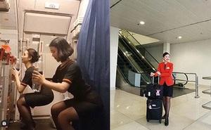 """Tập thể dục trên máy bay, hai nữ tiếp viên """"gây sốt"""" mạng xã hội"""