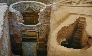 Ngôi mộ gia tộc vừa được phát hiện ở Trung Quốc: Đội khảo cổ ngỡ ngàng khi bước vào bên trong!