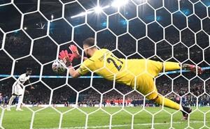 Saka dìm đội tuyển Anh vào bi kịch với cú 11m quyết định đầy thất vọng