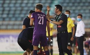 Các CLB không muốn hoãn V-League