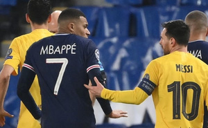 Không muốn đá cùng Messi, Mbappe gửi 'tối hậu thư' tới PSG