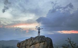 Từ những thay đổi nhỏ, tôi đã kiến tạo nên một cuộc đời khác biệt và nghiệm ra: Sống ở đời, đừng khôn lỏi