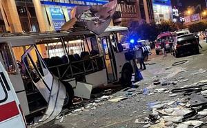 Thót tim khoảnh khắc xe buýt ở Nga phát nổ với 30 hành khách bên trong