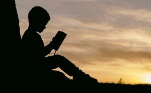 Danh mục sách: Hai cuốn sách kinh điển, hai thái độ sống, hai kiểu cuộc đời