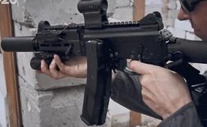 Video: Sự lợi hại của tiểu liên PPK-20, có thể thủ gọn trong người và bắn cực nhanh