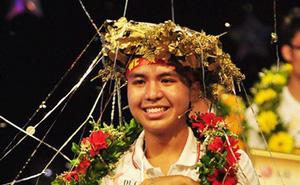 Nhà vô địch Olympia năm thứ 10 bất ngờ xuất hiện cùng cô giáo Vật lý từng gây bão, tiết lộ sự nghiệp siêu thành công, gây tò mò nhất là dự định về Việt Nam