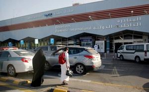 Sân bay ở Saudi Arabia bị đánh bom 2 lần trong 24 giờ, tuyển Việt Nam an toàn