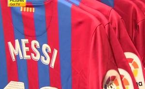 Người hâm mộ vẫn đi mua áo đấu Messi bất chấp sự thật phũ phàng