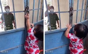 """Chiến sĩ công an đi chống dịch qua thăm nhà, con gái tưởng mẹ """"nhốt"""" cha bên ngoài vội có hành động bất ngờ"""