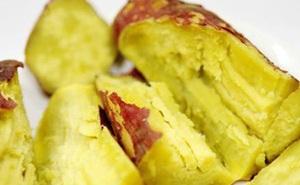 Luộc khoai lang cho thêm thứ này, đảm bảo khoai bở tung thơm bùi