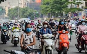 CLIP: Cảnh đường phố Hà Nội đông đúc trong ngày đầu tuần