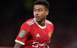 Đội trưởng West Ham khẳng định Lingard chỉ ăn vạ khi đá cho MU