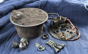 """Phát hiện kho báu thời Trung Cổ: Ra đời trước 100 năm sau sự kiện """"đẫm máu"""" có thật trong lịch sử liên quan đến hậu duệ Thành Cát Tư Hãn"""