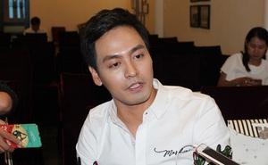 """MC Phan Anh nói về chuyện """"sao kê"""": Mình đã chờ 5 năm, và sẽ tiếp tục giữ hơn 6kg tài liệu này"""