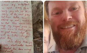 Tìm thấy bức thư viết tay còn nguyên vẹn sau 35 năm giấu kín trong tường nhà