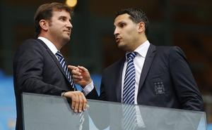 """""""Hack"""" Barca, bán thông tin cho Man City"""
