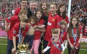 """Sir Alex trình làng """"đội bóng mới"""" trong ngày chia tay Man United"""