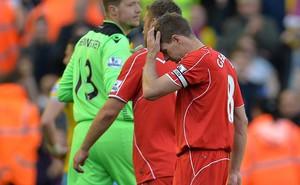 Liverpool thua sốc, Gerrard cúi đầu chia tay Alfield