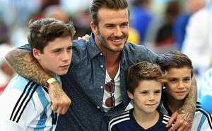 Beckham thừa nhận 3 cậu con trai đều lười học