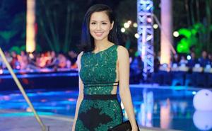 Hot girl Tâm Tít đọ gợi cảm với Á hậu Huyền My