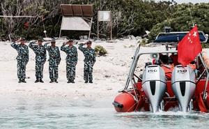 """TQ ngửa bài ở biển Đông: Ngư dân sống trái phép ở Hoàng Sa là """"dân quân"""""""