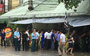 Hình ảnh 2 đám tang trên cùng một con phố vụ Bí thư và Chủ tịch HĐND Yên Bái bị bắn