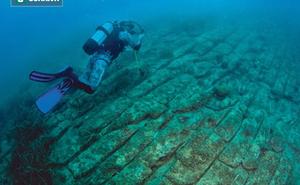 """Thợ lặn thám hiểm phát hiện điều """"không tưởng"""" tại biển Địa Trung Hải"""