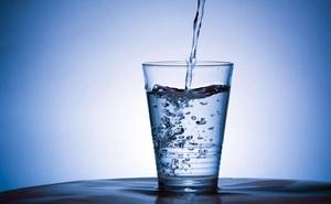 """9 tác dụng kỳ diệu của một cốc nước khi uống """"đúng nơi đúng lúc"""""""